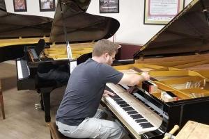 رگلاژ کردن پیانو