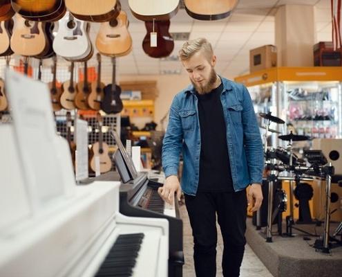 خرید پیانو دست دوم