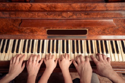 یادگیری پیانو برای نواختن یک قطعه