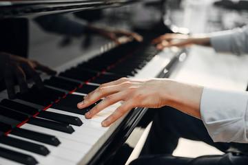 نحوه نواختن پیانو