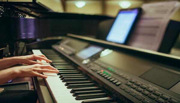 تنوع تولید انواع صدا با پیانو دیجیتال