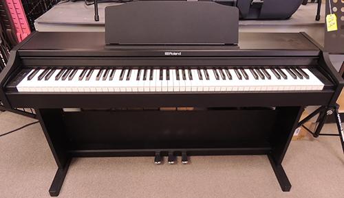 پیانو دیجیتال رولند Rp 102 Bk